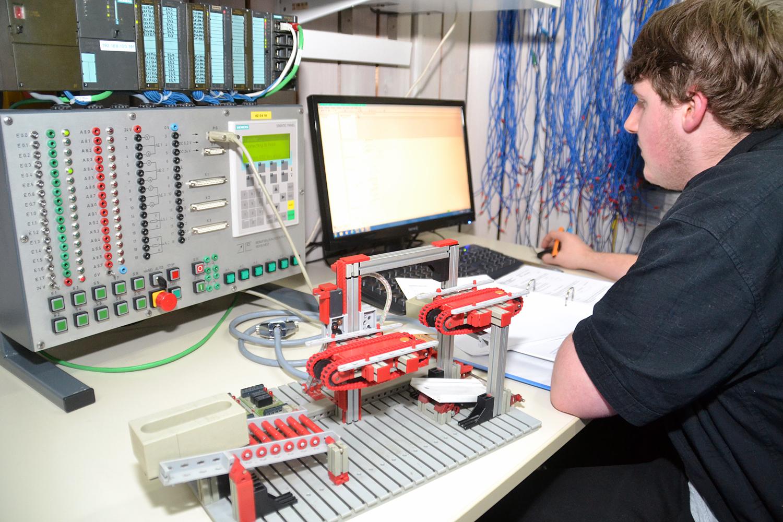 Ausbildungsberuf - Produktionstechnologe / Produktionstechnologin